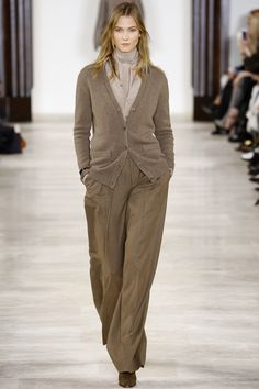 Ralph Lauren Fall 2016 Ready-to-Wear Fashion Look 1 - Karlie Kloss
