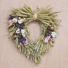 Dried Flower Wreaths, Dried Flowers, Easter Wreaths, Christmas Wreaths, Bouquet Champetre, Dried Flower Arrangements, Heart Wreath, Korn, How To Make Wreaths