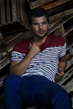 Top Celebrity Men's Fashion Trends for Summer 2014 ... Taylor-Lautner_MG_9937_Final └▶ └▶ http://www.pouted.com/?p=37073