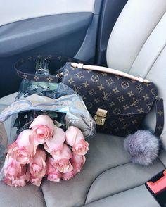 The Luxury Lifestyle Magazine - Photos & News Spoiled Girlfriend, Girlfriend Goals, Girlfriend Gift, Luxury Lifestyle Women, Rich Lifestyle, Luxe Life, Coffee And Books, Girls Dream, Girls Life