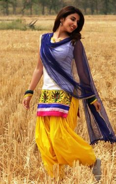 Punjabi Girl Pic and punjabi girl wallpapers,punjabi canadian girls Punjabi Fashion, Bollywood Fashion, Asian Fashion, Punjabi Girls, Punjabi Dress, Punjabi Suits, Anarkali Dress, Indian Attire, Indian Wear