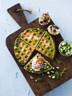Amazing savoury waffles from you barbecue. This time with spinach and salmon.