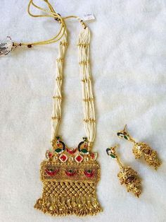 45 ideas for fashion logo clothes design ideas Indian Accessories, Indian Jewelry Sets, Indian Wedding Jewelry, India Jewelry, Bridal Jewelry, Gold Jewelry, Gold Necklace, Beaded Jewelry Patterns, Latest Jewellery