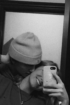 Cute Couples Photos, Cute Couple Pictures, Cute Couples Goals, Couple Pics, Teen Couples, Romantic Couples, Couple Goals Relationships, Relationship Goals Pictures, Boyfriend Goals