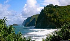 Top 5 Stunning Short Hikes on the Big Island of Hawaii - pictured #3 Pololu black sand beach.