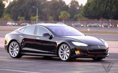 tesla Model S P85D l'auto che si guida da sola #auto #elettrica #tesla