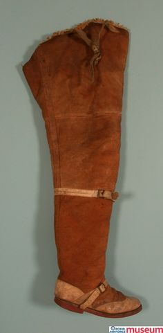 RAF flying boot.    These RAF thigh-length Pattern 1918 flying boots were used by Lt Cecil John Clarke.