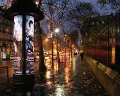 Rainy Street At Night Rainy night in Paris. Rainy Paris, Rainy City, Paris At Night, The Places Youll Go, Places To Go, Rainy Street, An American In Paris, Paris Architecture, Rainy Night