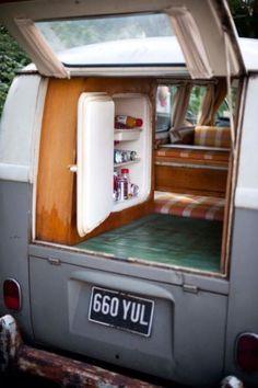 1962-Volkswagen-VW-Split-screen-Campervan