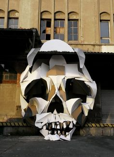 Street Art - recycle cardboard on a skull illusion By Clement Behr Street Installation, Memento Mori, Banksy, Geometric Sculpture, Tatoo Art, Street Art Graffiti, Outdoor Art, Pics Art, Art Design