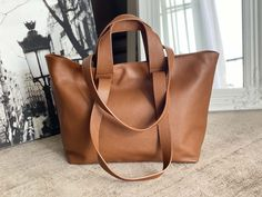sac-cabas-cuir-graine-camel (3) Tote Bag, Madewell, Bags, Totes, Wardrobes, Goal, French, Ladies Accessories, Nice Purses