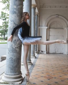 What is the best season for doing sports? Calling summer is true, and winter is… In fact, it is not the season of doing sports… On the other hand, doing … Just Dance, Dance Moms, Vaganova Ballet Academy, Ballet Photography, Tiny Dancer, Ballet Beautiful, Dance Photos, Ballet Dancers, Tutu