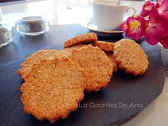 Estas galletas no llevan harina ni tampoco azúcar y sin embargo están deliciosas. Seguro que gustaran en tu casa si te animas a hacerla... Sugar Free Sweets, Sugar Free Cookies, Gluten Free Cookies, Sweet Recipes, Real Food Recipes, Cookie Recipes, Snack Recipes, Vegan Snacks, Healthy Desserts