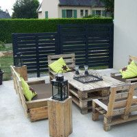 35 Creative Ways To Recycle Wooden Pallets...interesting patio grouping
