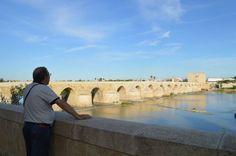 Puente romano sobre el Gualquivir en Cordoba Andalucia, Spain