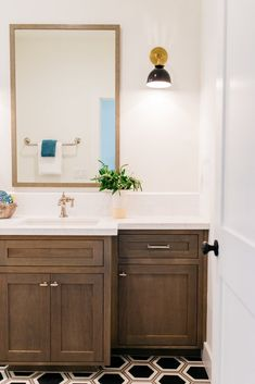A few weeks ago we had the opportunity to re-shoot photos of our Devonshire project with Pacific Edge Builders and Aldous Photography. It was fun to dress up t Diy Bathroom Remodel, Bath Remodel, Bathroom Interior, Walk In Shower Designs, Small Bathroom, Bathroom Ideas, Bathroom Closet, Basement Bathroom, Home Staging
