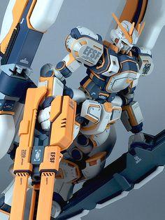 MODELER: YUUPA   MODEL TITLE: N/A   MODIFICATION TYPE: custom paint job, paint masking   KIT USED: HG 1/144 Atlas Gundam