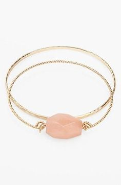 Idée et inspiration Bijoux :   Image   Description   Delicate bangles  Get 5% cash back: www.studentrate.c…
