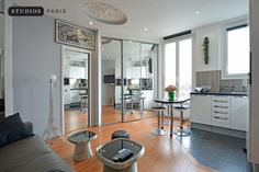 Live a wonderful experience in Montmartre with us | Horizons moderns