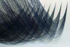 Akane Yorita, The Ninth Wave, rayon threads, polyester, H190xW420xD160cm, 2015 (side view)