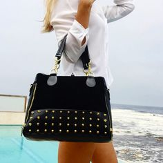 Carteras de moda y carteras de cuero para mujeres en PLUMSHOPONLINE.COM Leather and fashion womens handbags #bags #bag #moda #clutch #outfit - cartera andressa