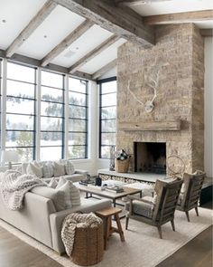 Living room inspo care of Interior Design Minimalist, Home Modern, Farmhouse Fireplace, Home Living Room, Living Area, Living Spaces, Modern Farmhouse, Farmhouse Homes, Great Rooms