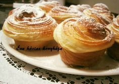 Cruffin Crescent Rolls, Croissants, Fondant, Muffins, Food And Drink, Sweets, Cookies, Breakfast, Recipes