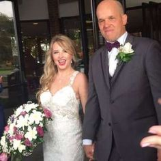 A US man who donated half of his liver to a complete stranger reveals how they fell in love and wed.