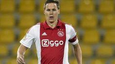 Niklas Moisander is op tijd fit voor de thuiswedstrijd tegen Dnipro Dnipropetrovsk in de Europa League van aankomende donderdag. De Finse aanvoerder van Ajax haakte zondag voorafgaand aan het gewonnen duel met SC Heerenveen (4-1 winst) nog af, nadat hij een dag eerder door zijn enkel was gegaan.