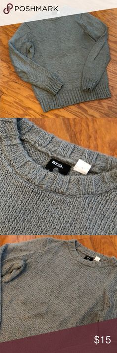 Men's BDG Gray Sweater ❄️Excellent condition men's BDG sweater perfect for winter. Gently worn and in excellent condition❄️ BDG Sweaters Crewneck