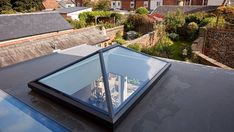 9 Talented Tips AND Tricks: Tin Roofing Modern roofing architecture shipping containers. Residential Skylights, Flat Roof Skylights, Retractable Pergola, Diy Pergola, Pergola Ideas, Pergola Kits, Roofing Options, Roofing Materials, Design Light