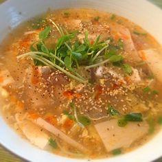 出張続きでご飯が全然作れなかった´д` ; 久々の料理はヘルシーに。酸味が少しあって美味しい❤ - 59件のもぐもぐ - きのこたっぷり酸辣湯風春雨ヌードル by sakichan63