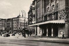 Der Nollendorfplatz mit dem Theater am Nollendorfplatz. Berlin, um 1930. o.p.