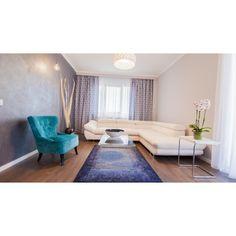 Moise, Showroom, Rugs, Home Decor, Farmhouse Rugs, Decoration Home, Room Decor, Home Interior Design, Rug