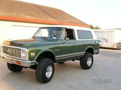 1972 Chevy Blazer with a removable top. This ahas been my dream car my whole life.