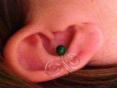 DIY ear cuff. SUPER easy:)