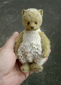 Missy, One Of a Kind Miniature Mohair Artist Ted from Aerlinn Bears