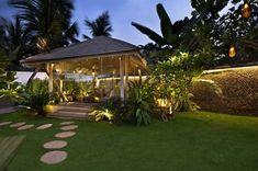 Shilpa Shetty kundra and Raj kundra's spectacular seaside bungalow Posh Houses, Duplex House Design, Shilpa Shetty, In Mumbai, Indian Home Decor, Celebrity Houses, Beauty Full Girl, Future House, Bungalow