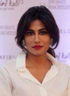 This is beauty. Beauty of a rare nature, Capitating, enchanting & mesmerising. Beautiful Bollywood Actress, Most Beautiful Indian Actress, Chitrangada Singh, Bollywood Girls, Beautiful Gorgeous, Stunning Women, Special Girl, Indian Celebrities, India Beauty