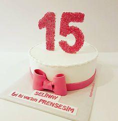 Iyi ki dogdun Selinay😊🎀🎉 @daydreamscakes #daydreamscakes #sayilipasta #zahlentorte #numberscake #hellesteig #sadekek #bögürtlenlipasta #waldbeerentorte #wildberriescakes #wildberriescakes #sugarart #sugarcraft #sugarcakes #cakeart #cakedesign #caketopper #ganache #fondant