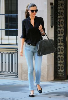 miranda kerr style best outfits - Page 71 of 100 - Celebrity Style and Fashion Trends Look Fashion, Fashion Outfits, Fashion Trends, India Fashion, Fashion Bloggers, Fashion Blogger Style, Style Blog, Denim Fashion, Fashion Tips