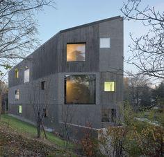 2b Architectes: Philippe Béboux, Stephanie Bender. Villa urbaine 4 en 1, Campagne de Beaumont, Lausanne, Suiza. Fotografía: Roger Frei.