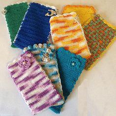 Χρυσό βελονάκι: Χειροποίητες πλεκτές θήκες κινητών ( smartphone ) Knitted Hats, Smartphone, Gloves, Knitting, Crochet, Jewelry, Fashion, Moda, Jewlery