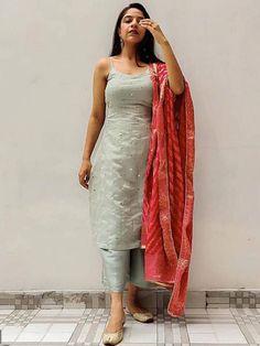 Salwar Designs, Lehenga Designs, Kurta Designs Women, Kurti Designs Party Wear, Silk Kurti Designs, Indian Gowns Dresses, Indian Fashion Dresses, Dress Indian Style, Fashion Outfits