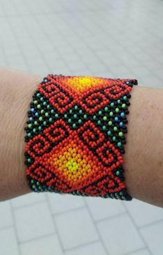 Bead Loom Patterns, Macrame Patterns, Mexican Pattern, Ethno Style, Mexican Designs, Bead Loom Bracelets, Loom Beading, Bead Art, Bracelet Making