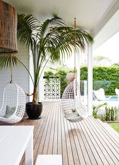 Home Decorating DIY Projects: Exotische luxe tuin met moderne veranda - Decor Home - Welcome to the World of Decor! Style At Home, Casas Magnolia, Balkon Design, Magnolia Homes, Interior Exterior, Interior Design, Interior Colors, Ibiza Style Interior, Porch Interior