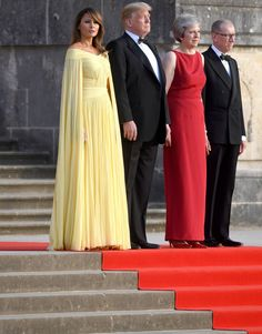 US President Donald Trump and his wife Melania are welcomed by Prime Minister Theresa May and her husband Philip May at Blenheim Palace Donald And Melania Trump, First Lady Melania Trump, Donald Trump, Dinner Gowns, Dinner Wear, Melania Trump Dress, Yellow Gown, Trump Is My President, Classy Women