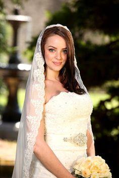 Wedding Bridal Mantilla Veil with Lace Finger Tip Length 100 Silk Ivory