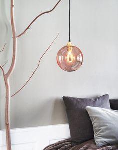 Design by Us Ballroom Taklampe Rav Liten Bedroom Lighting, Interior Lighting, Lighting Design, Lampe Rose, Ballroom Design, Home Decor Lights, Top Interior Designers, Glass Pendant Light, Glass Design