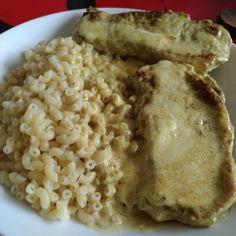 #faitbienfaitmain Plat du jour : côte de porc désossée sauce curry et... Coquillettes  Bon appétit à vous !